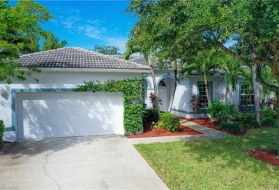 8532 Laurel Lakes Blvd Naples FL 34119