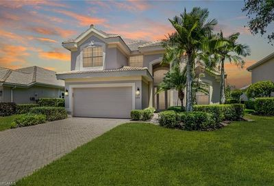 11821 Bramble Ct Naples FL 34120