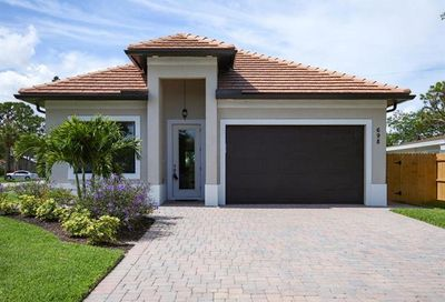 698 103rd Ave N Naples FL 34108