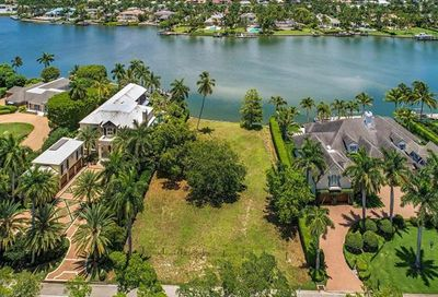 625 Kings Town Dr Naples FL 34102
