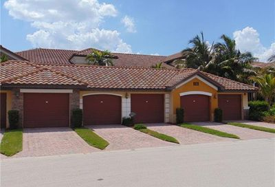 9828 Venezia Cir Naples FL 34113