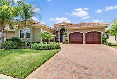 2910 Cinnamon Bay Cir Naples FL 34119