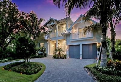 1140 7th St S Naples FL 34102