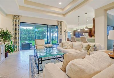 2704 Crystal Way Naples FL 34119