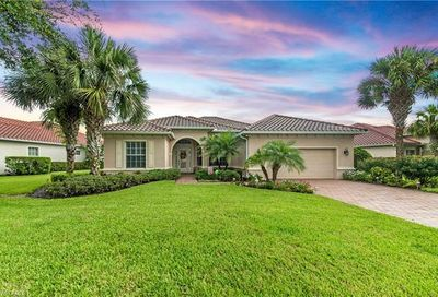 11953 Heather Woods Ct Naples FL 34120