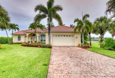 18031 Royal Tree Pky Naples FL 34114