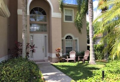 8468 Laurel Lakes Blvd Naples FL 34119