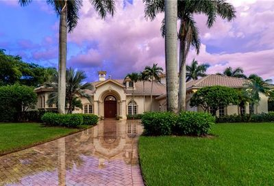 1640 Chinaberry Way Naples FL 34105