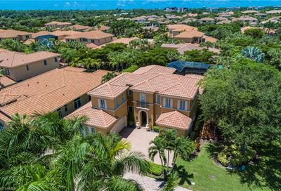 2121 Modena Ct Naples FL 34105