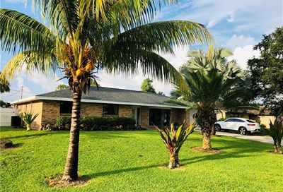 4520 25th Ct SW Naples FL 34116
