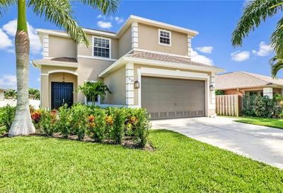 531 105th Ave N Naples FL 34108