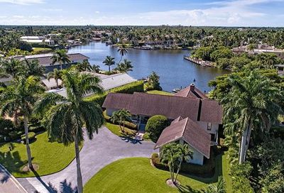 3030 Fort Charles Dr Naples FL 34102