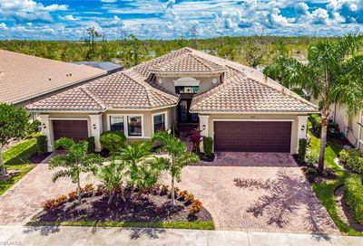 3252 Atlantic Cir Naples FL 34119