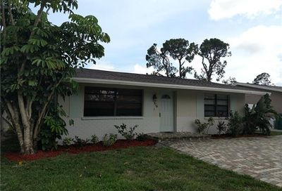 814 109th Ave N Naples FL 34108