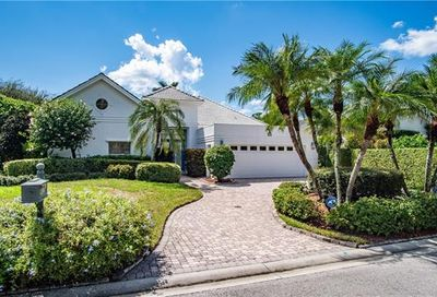101 Greenfield Ct Naples FL 34110