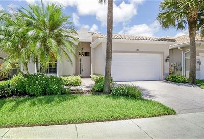 80 Glen Eagle Cir Naples FL 34104