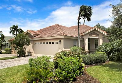 3670 Periwinkle Way Naples FL 34114