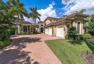 2171 Miramonte Way Naples FL 34105