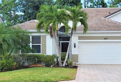 914 Fairhaven Ct Naples FL 34104