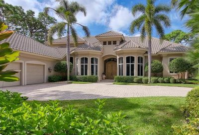 861 Barcarmil Way Naples FL 34110