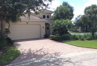 10334 Gator Bay Ct Naples FL 34120