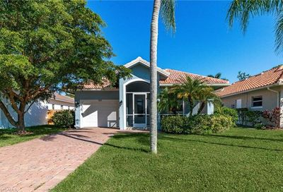 585 102nd Ave N Naples FL 34108