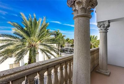 375 5th Ave S Naples FL 34102