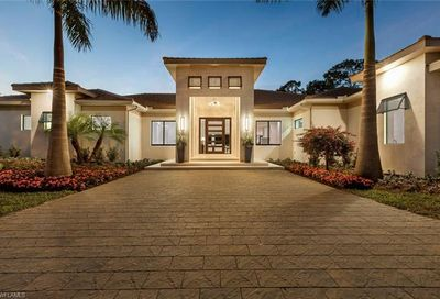 437 West St Naples FL 34108