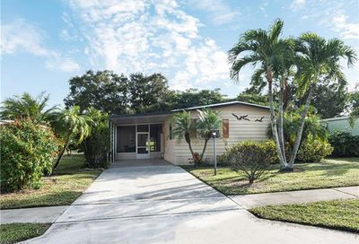 106 Calais Ct Naples FL 34112