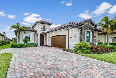 12574 Fenhurst Way Naples FL 34120