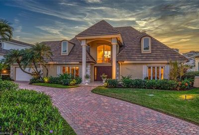 309 Neapolitan Way Naples FL 34103