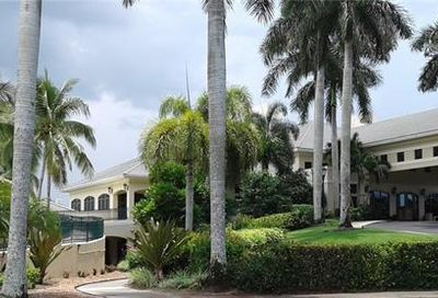 4728 Stratford Ct Naples FL 34105