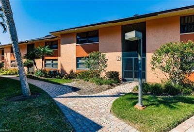 1518 Mainsail Dr Naples FL 34114