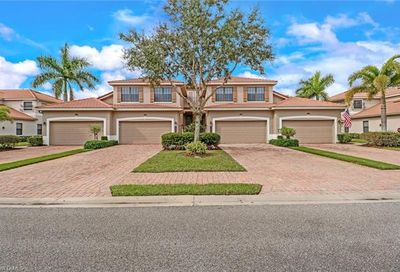 10538 Smokehouse Bay Dr Naples FL 34120