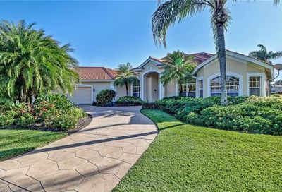 4318 Longshore Way N Naples FL 34119
