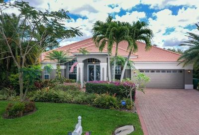 18030 Royal Tree Pky Naples FL 34114