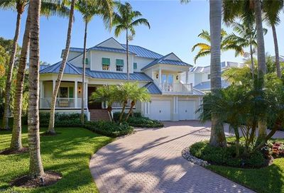 190 15th Ave S Naples FL 34102