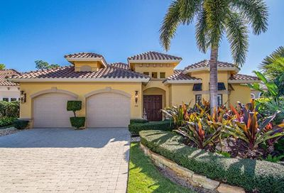 208 Charleston Ct Naples FL 34110
