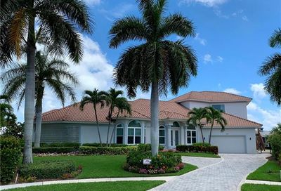 190 Post Ct Marco Island FL 34145