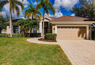 9821 Rocky Bank Dr Naples FL 34109