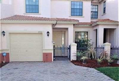 15236 Summit Place Cir Naples FL 34119