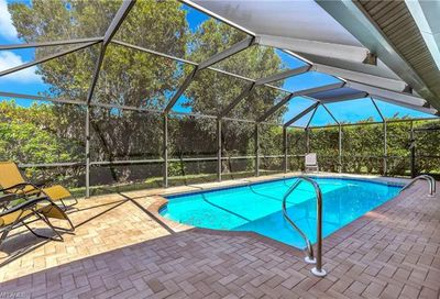 221 Countryside Dr Naples FL 34104