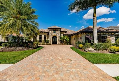 11915 Hedgestone Ct Naples FL 34120