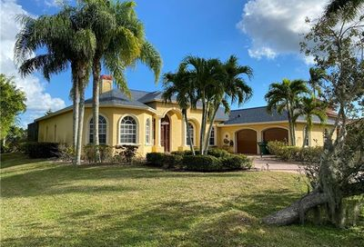 18048 Royal Tree Pky Naples FL 34114