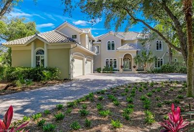 969 Barcarmil Way Naples FL 34110