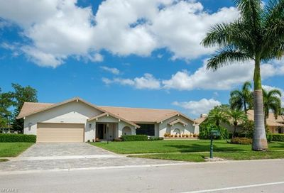 1262 Kings Way Naples FL 34104