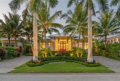 671 13th Ave S Naples FL 34102