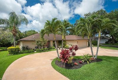 2173 Pinewoods Cir Naples FL 34105