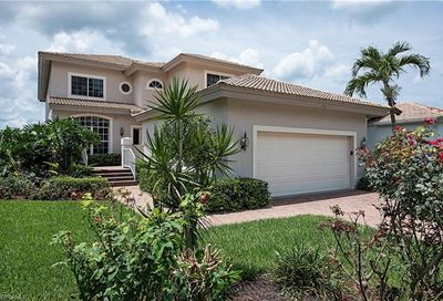 3812 Clipper Cove Dr Naples FL 34112