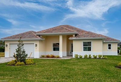 17 Willoughby Dr Naples FL 34110